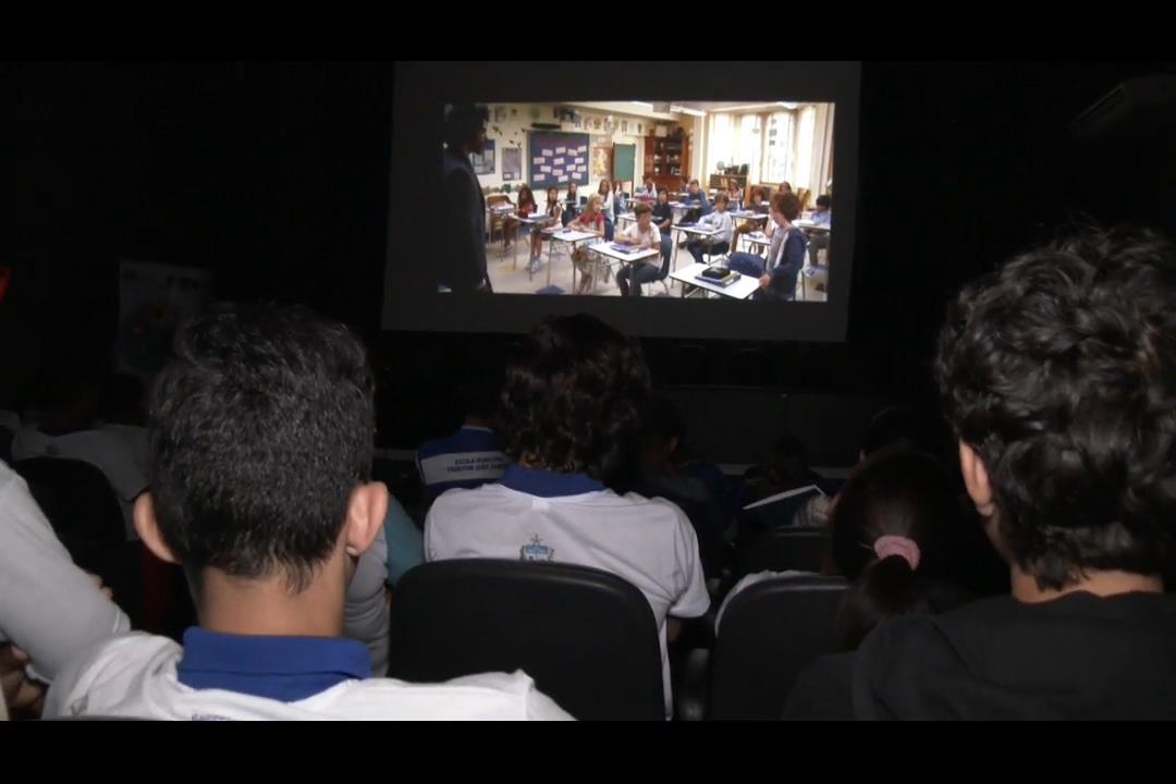 Alunos de escolas públicas participam do Cine Esmal